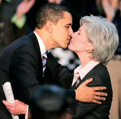 President Obama and HHS Secretary Kathleen Sibelius Smooching